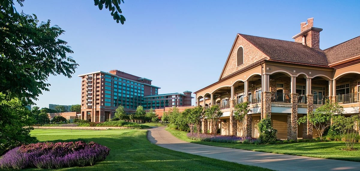 Lansdowne_Exterior_Clubhouse_and_Resort-776550-edited.jpg